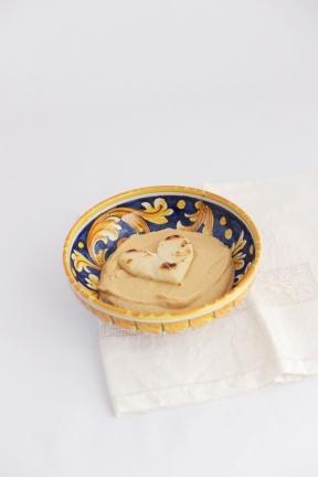 Hummus di Ceci con Pita : https://gikitchen.wordpress.com/2013/07/25/hummus-ceci-con-pita/